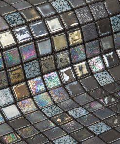 Glass mosaic tile Mochi by Ezarri.